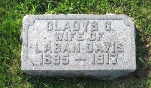 Gladys (Ray) Davis and infant girl (no marker)