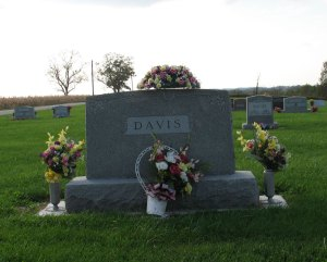 davis-scalesMound