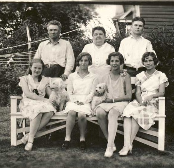 (L-R)(front row): unknown, Marjorie, Eunice and Alice; (back row): Jack, Marie (Strelesky) Smith, Herbert